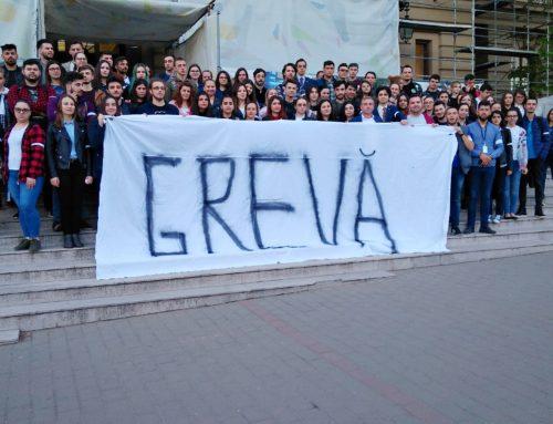"""Studenții Universității """"Alexandru Ioan Cuza"""" din Iași au intrat în grevă japoneză împotriva acțiunilor abuzive ale Ministerului Educației Naționale"""