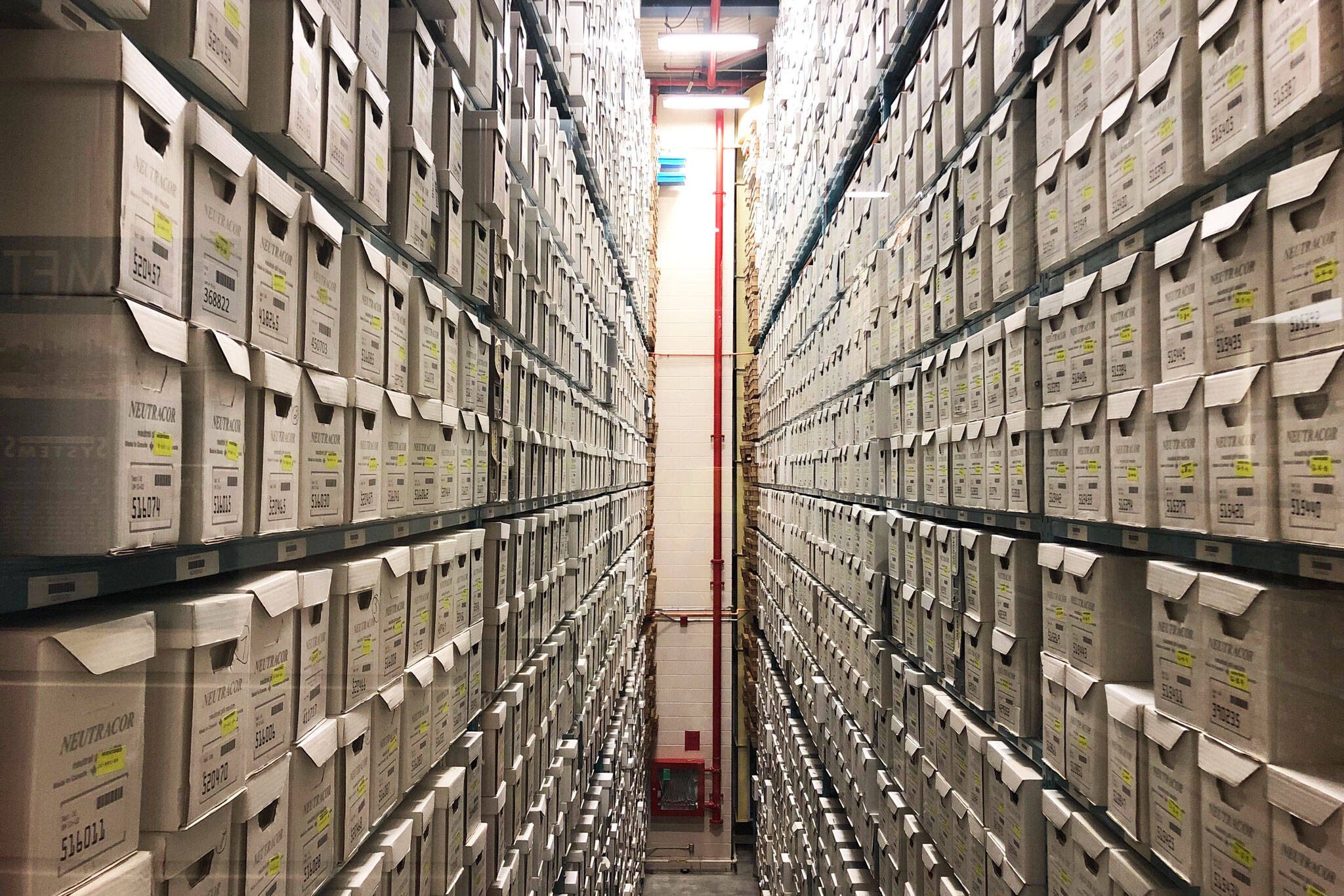 Cercetarea în arhive, blocată de peste un an. Studenții și cercetătorii sunt revoltați