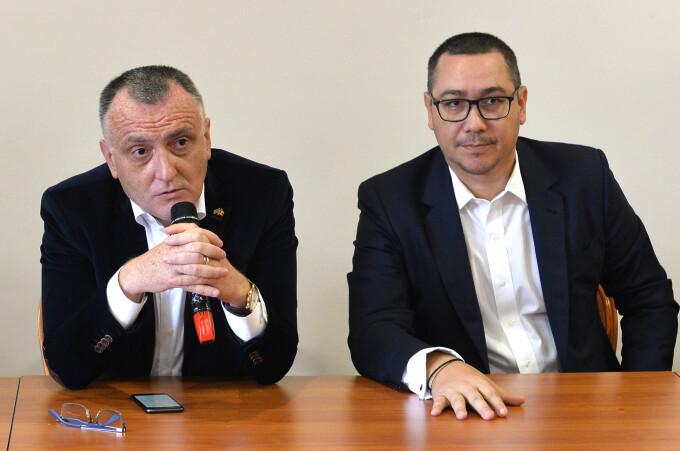 Liga Studenților din Iași îi cere lui Cîțu remanierea lui Sorin Cîmpeanu: Protectorul plagiatorilor și promotorul României Plagiate este o amenințare la adresa siguranței naționale